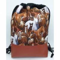 Rucksack Pferde mit Kunstlederboden Unikat Handarbeit Bild 1