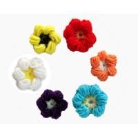 Sechs bunte Blumen 3D Büschelmaschen Häkelapplikationen Bild 1
