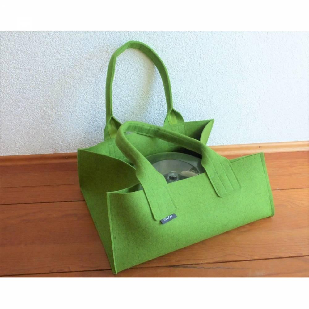 Transporttasche für Kuchenformen, Kuchentransporttasche, Shopper aus Wollfilz in hellgrün meliert, große Tasche, von Dieda, handgemacht Bild 1