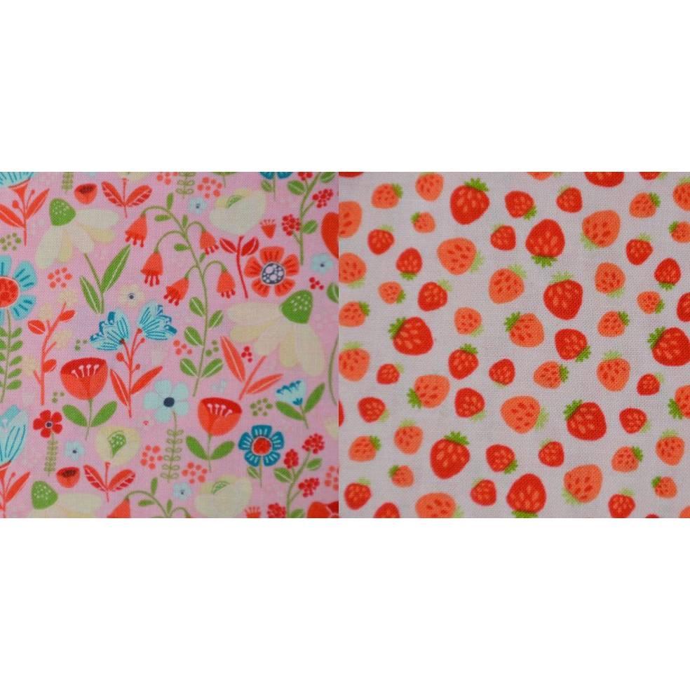 Baumwollstoff Enchanted Forest by CAMELOT Erdbeeren Blumen 50 x 112 cm Patchwork Bild 1
