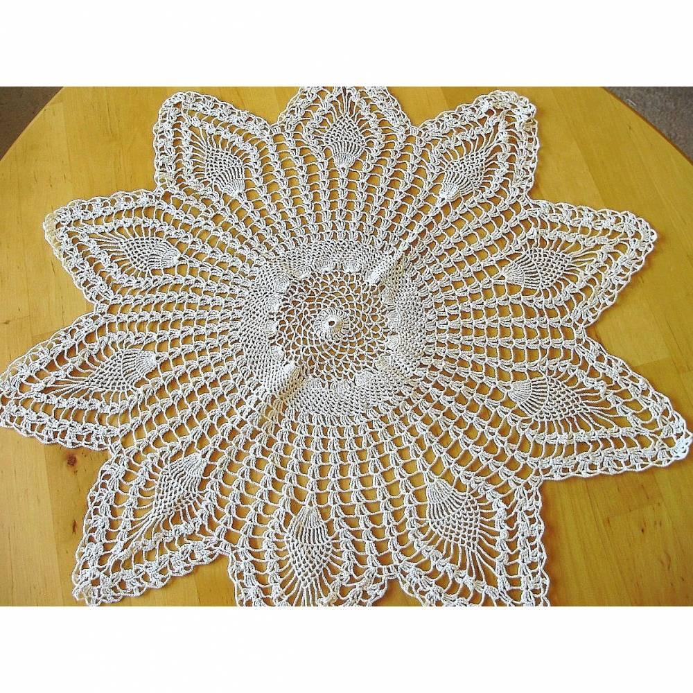 Vintage Häkeldeckchen Stern in beige aus den 70er Jahren Bild 1