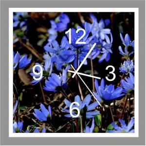 """Wanduhr """"Blaue Blüten"""""""