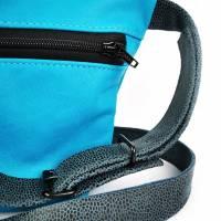 Gürteltasche, Crossbodybag aus türkisem Leder mit verstellbarem Ledergurt Bild 4