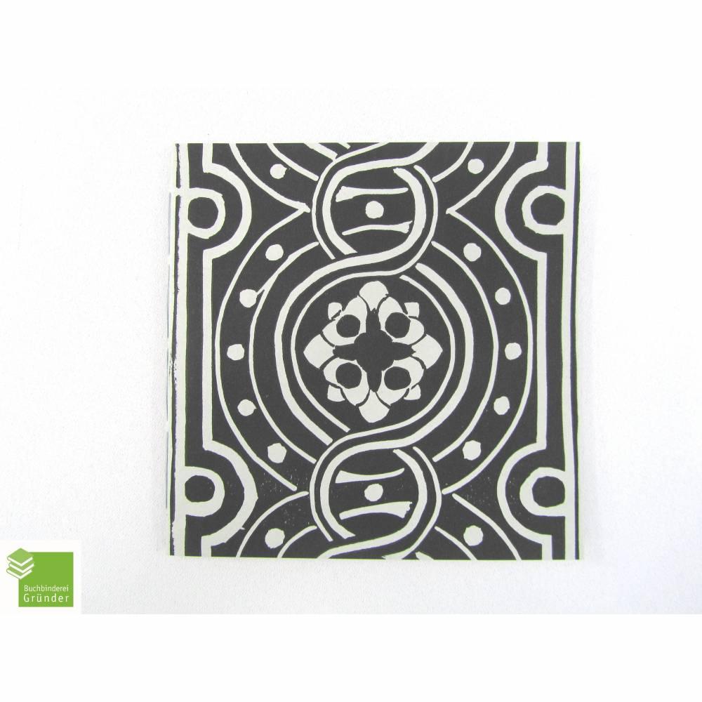 Notizheft, hell-grau, Linoldruck, schwarz, 15 x 15 cm, Recyclingpapier Bild 1