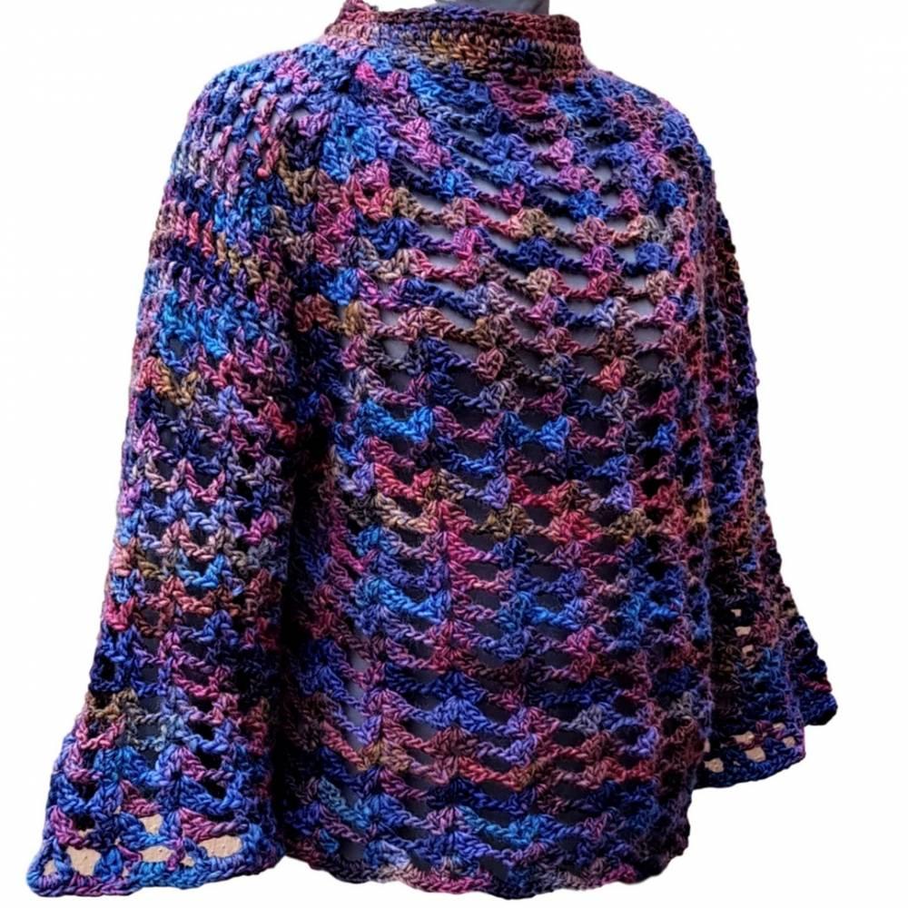 Pullover mit Trompetenärmeln Damen Marine Bordeaux effektvolle Farbverläufe gehäkelt Länge 60 cm Größe 38/ 40/ 42 Bild 1