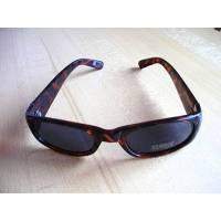 VintageSonnenbrilleLeo-Optikaus den 80er Jahren. Bild 1