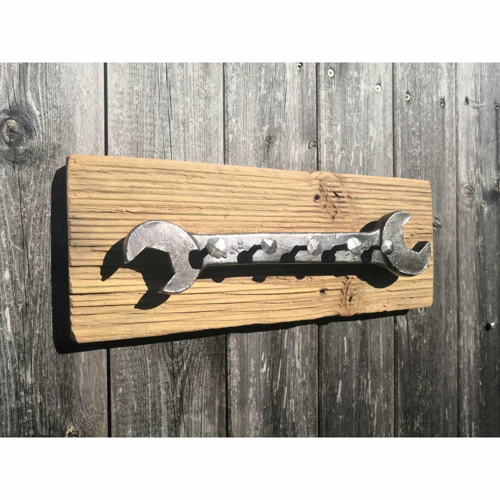 Schlüsselbrett aus Treibholz, Metallkunst trifft auf Holz Bild 1
