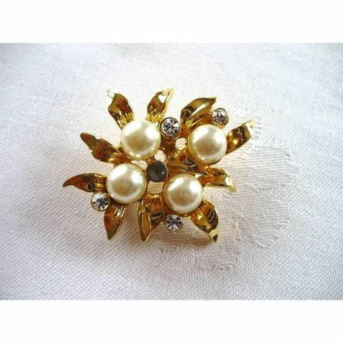 VintageBrosche mit 4 Perlen und Strassaus den 80er Jahren