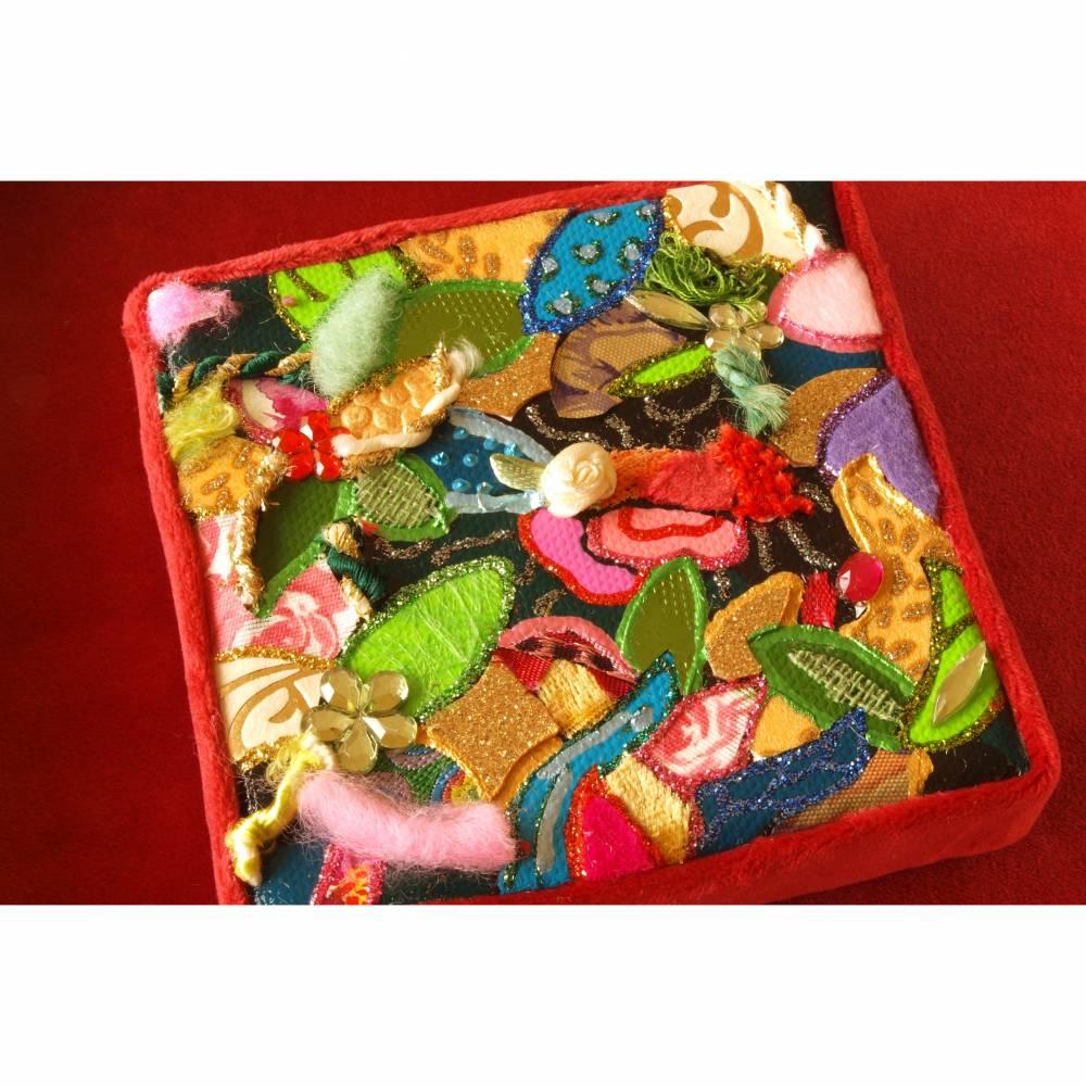 glitzer collage bild personalisierbar gold rot boho kunst geschenk opulent mixed media Bild 1