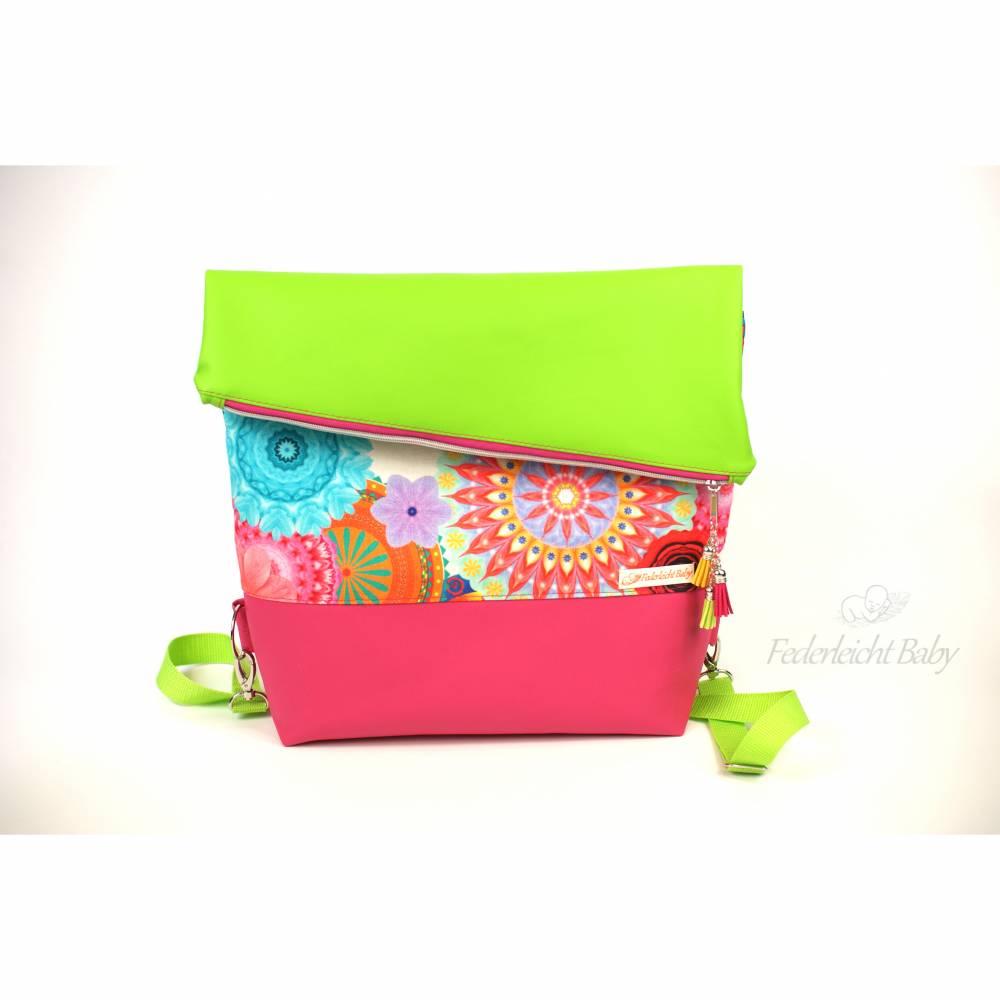 Farbenfrohe Foldover big Handtasche mit Rucksack-Funktion Bild 1