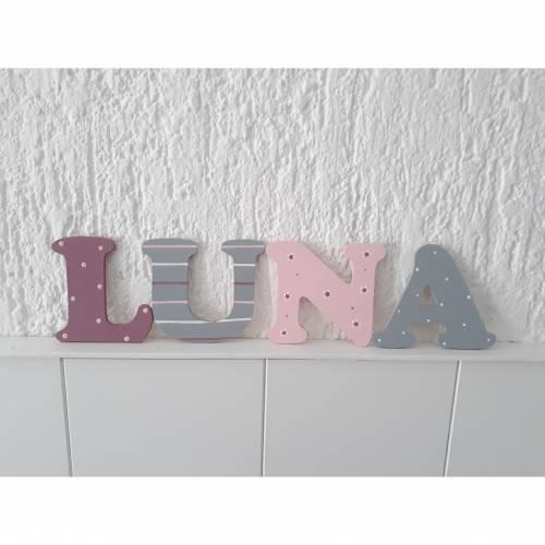 Holzbuchstaben für das Kinderzimmer