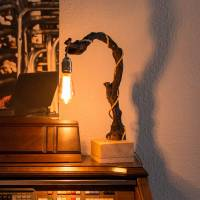 Weinreben-Leuchte  Bild 1