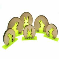 Osterhase, Ostergeschenk, Osterhäschen aus Holz und Acryl Bild 1
