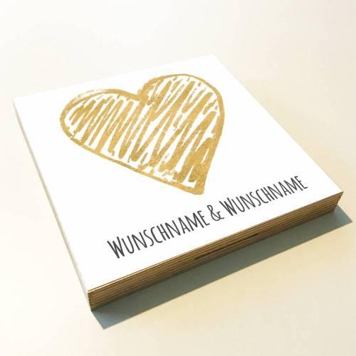 "Holzbild ""Goldenes Herz"" personalisiert Geschenk Namen Holzschild, 15x15 cm aufhängen o. hinstellen Geburt Hochzeit Dankeschön Wandbild"