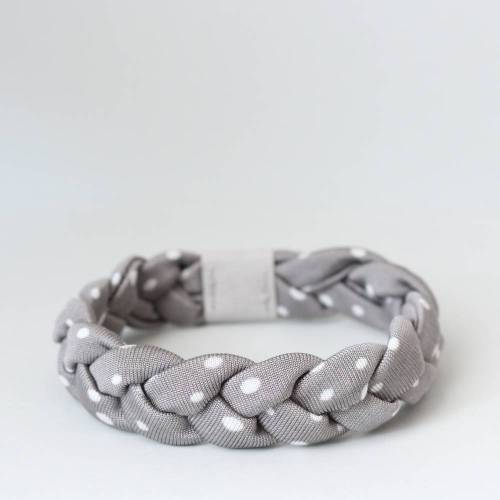Flechtarmband grau mit weißen Tupfen, geflochtenes Armband aus Jerseystoff