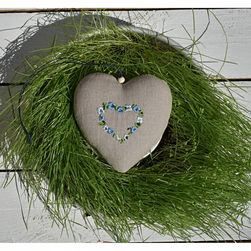 Leinen Herz, beige, Stickerei Blumenkranz, Muttertag, Frühling Bild 1