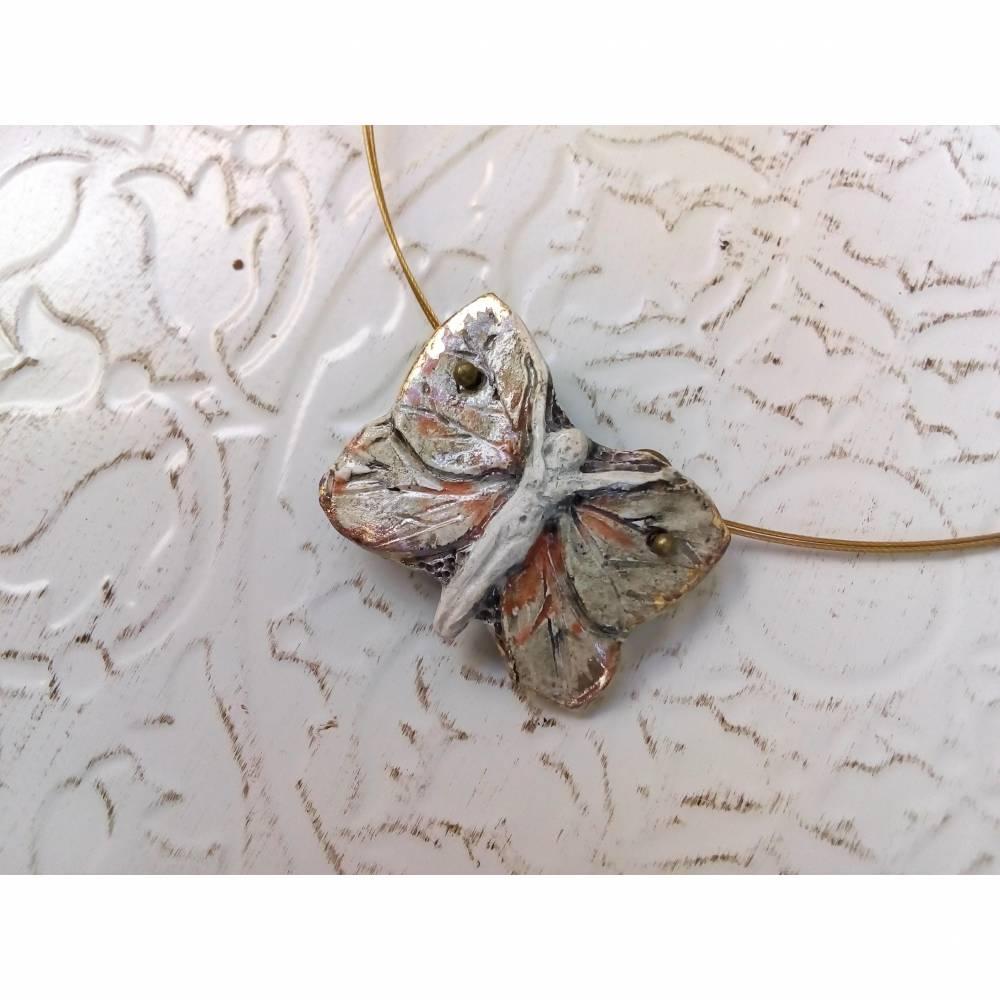 Zarter frühlingshafter Keramik Schmetterling  Bild 1