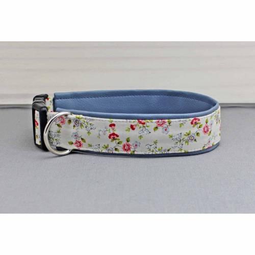 Hundehalsband mit Blumen, creme und rot, geblümt, mit Kunstleder in rauchblau, Rosen, boho, floral, vintage, trendy, Hund, Halsband