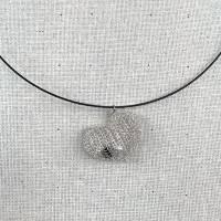 """Ketten-Anhänger """"HERZ"""" von Hand gestrickt aus Draht, gefüllt mit Perlen Bild 3"""