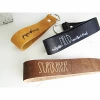 Vatertag Schlüsselanhänger aus Leder mit Wunschtext auf BEIDEN Seiten Bild 1
