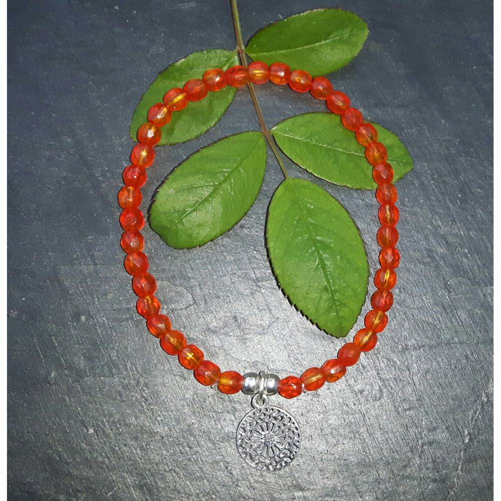 Perlenarmband orange/rot mit Mandala-Anhänger aus 925 Silber Bild 1