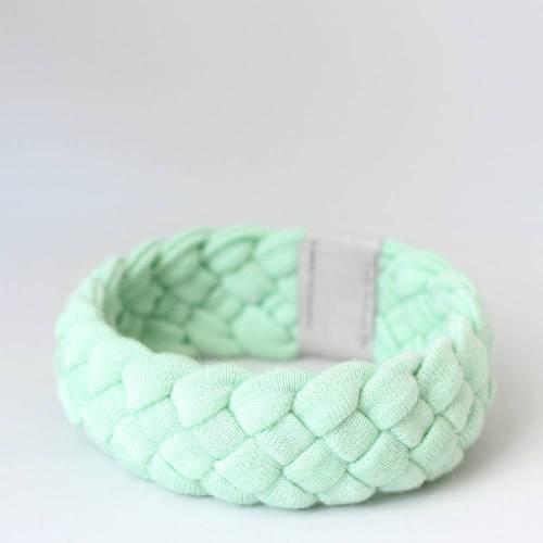 Armband aus Viskosejersey geflochten mintgrün, dehnbarer Armreif unisex