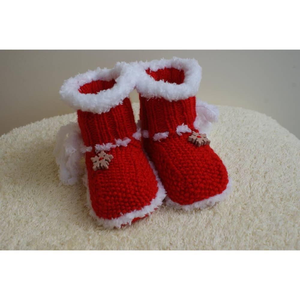 Babyschuhe, Winterstiefel, Weihnachtsstiefel, Handarbeit gestrickt Polyacryl rot -weiß Bild 1