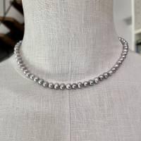 Perlenkette 9 mm mit schönem Glanz, dezent schmückend Bild 1