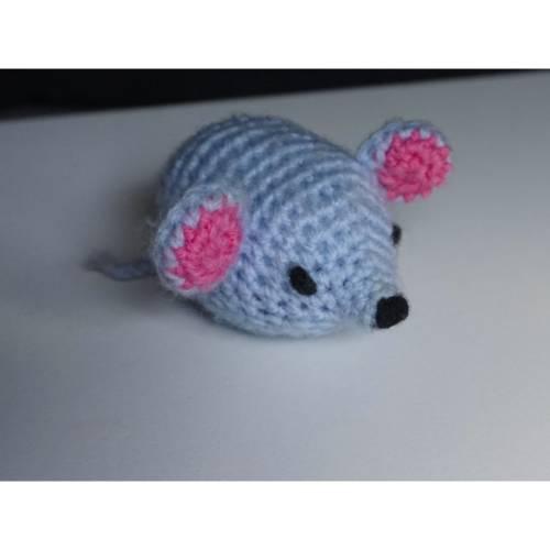 """Häkelanleitung Amigurumi """"Kleine Maus""""! Optional auch als Schlüsselanhänger oder Katzenspielzeug"""
