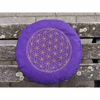 """Yogakissen lila mit Stickerei """"Blume des Lebens"""" Bild 1"""