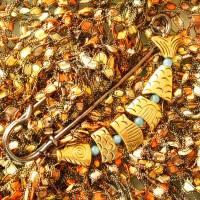 große Schalnadel Gold Fisch - Kiltnadel mit Gliederfisch und Jade Bild 3