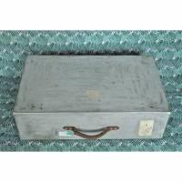 alter Metallkoffer Vintage Koffer aus Metall Bild 1
