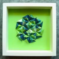 Sonobe grün-blau // 3D-Wandbild aus Origami im Objektrahmen Bild 1