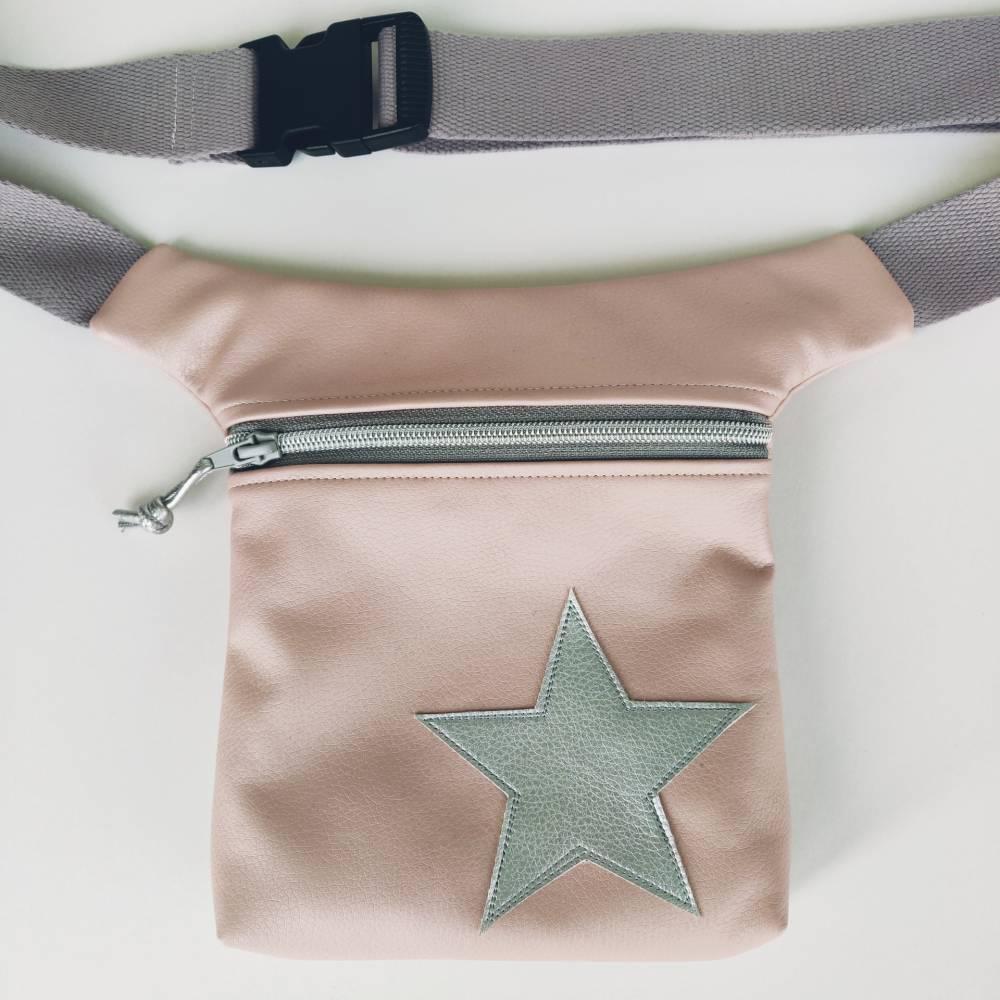 Hüfttasche in matt rose mit Stern in silber Bild 1
