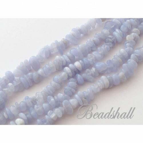 Chipsstrang Streifenachat / Chalcedon / Blue Lace Achat Chips pastell blau Splitterstrang