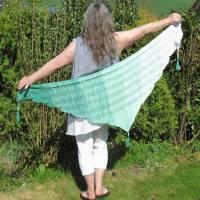 Dreieckstuch Schal Sommertuch Schultertuch Hüfttuch *Minze* Farbverlauf gestrickte Handarbeit Bild 1