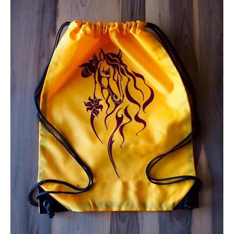Gymsac/Turnbeutel/Reithelmbeutel mit Pferdemotiv Butterfly gold/bordeaux Bild 1