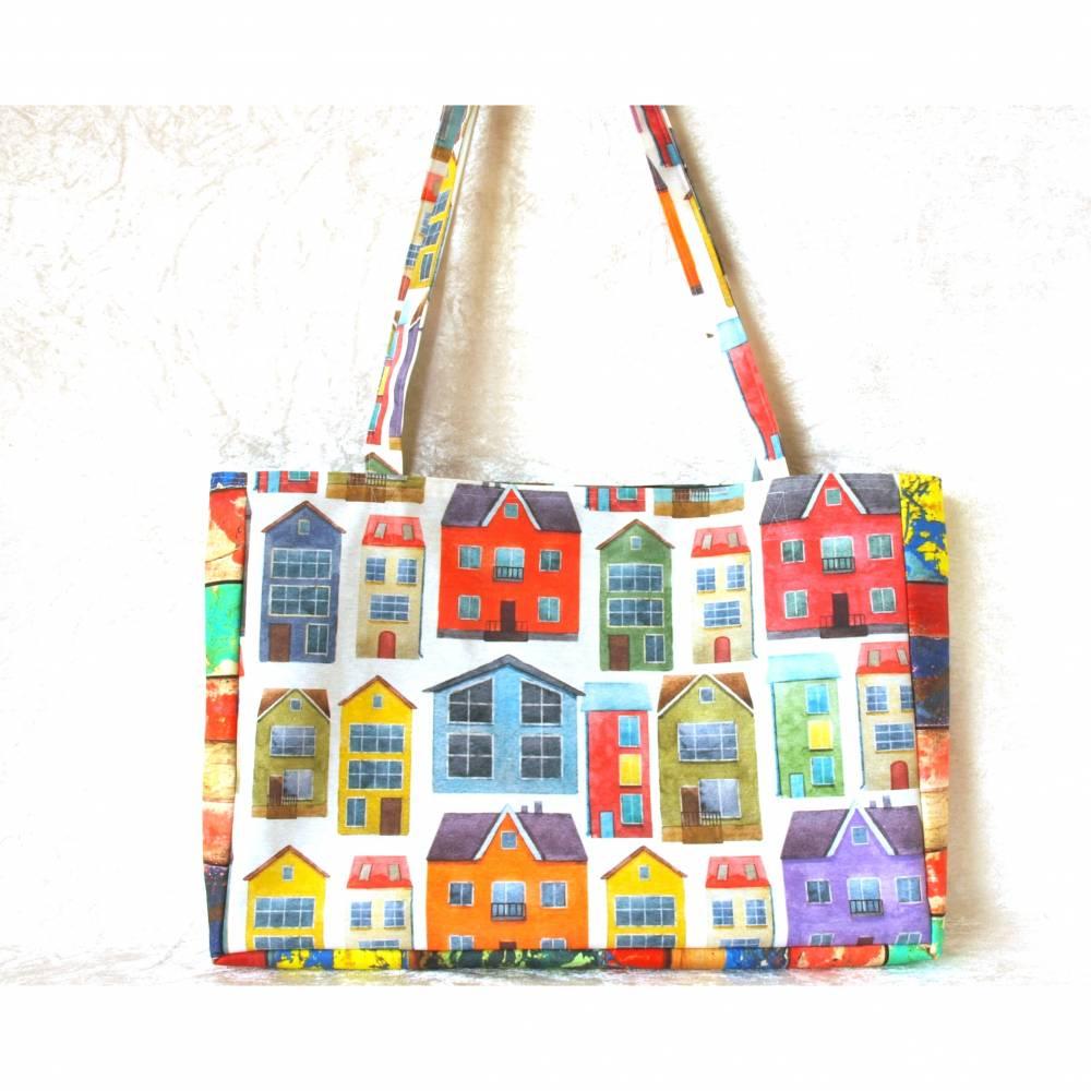 shopper tasche umhängetasche freizeittasche einkaufstasche schultertasche stadttasche sommertasche bunte häuser Bild 1