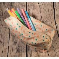Geräumiges Stiftemäppchen / Mäppchen mit Spitze / Spitzen-Reißverschluss in apricot petrol mit Ranken Blumen Blättern Bild 1