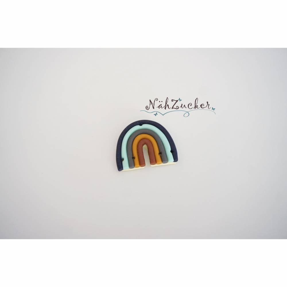 1 handgefertigter Knopf aus Polymer Clay, Motiv 'Regenbogen', Farbe wählbar Bild 1