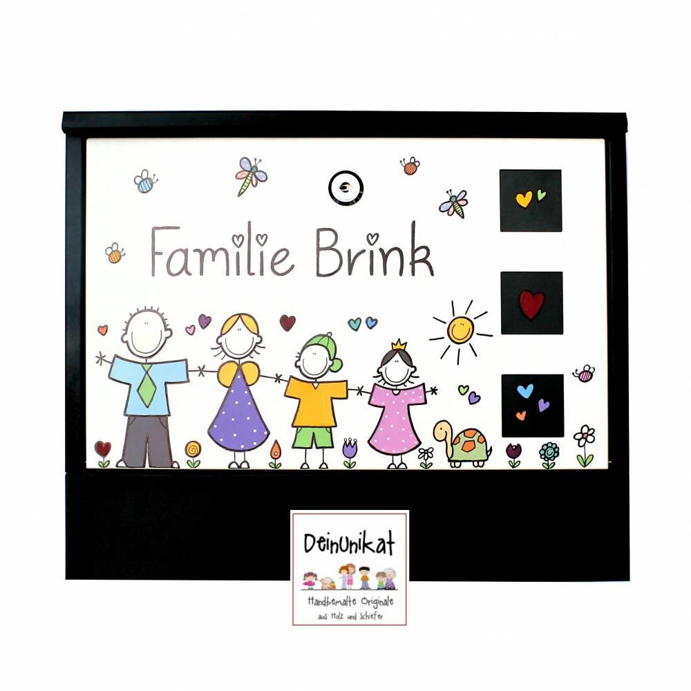 Briefkasten Familie, Postkasten personalisiert, handbemalt, individuell, Wunschname, Wunschfiguren, Unikat Bild 1