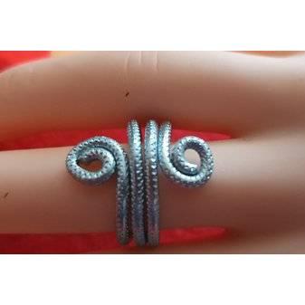 Ring aus Aluminium-Draht Acht Bild 1