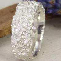 Breiter Ring aus Silber 925/-. Knitterring, ca 8 mm Bild 2