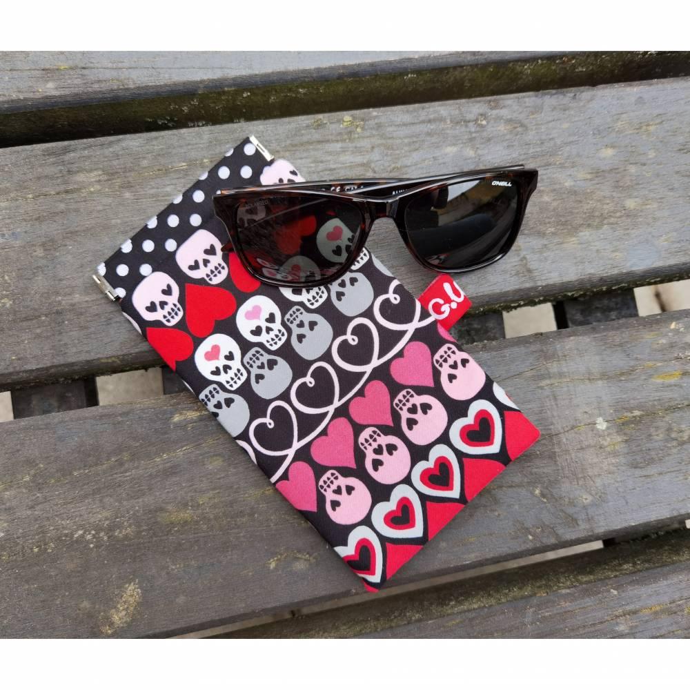 "Brillenetui, Brillenmäppchen ""Skulls & Hearts"" XL Bild 1"