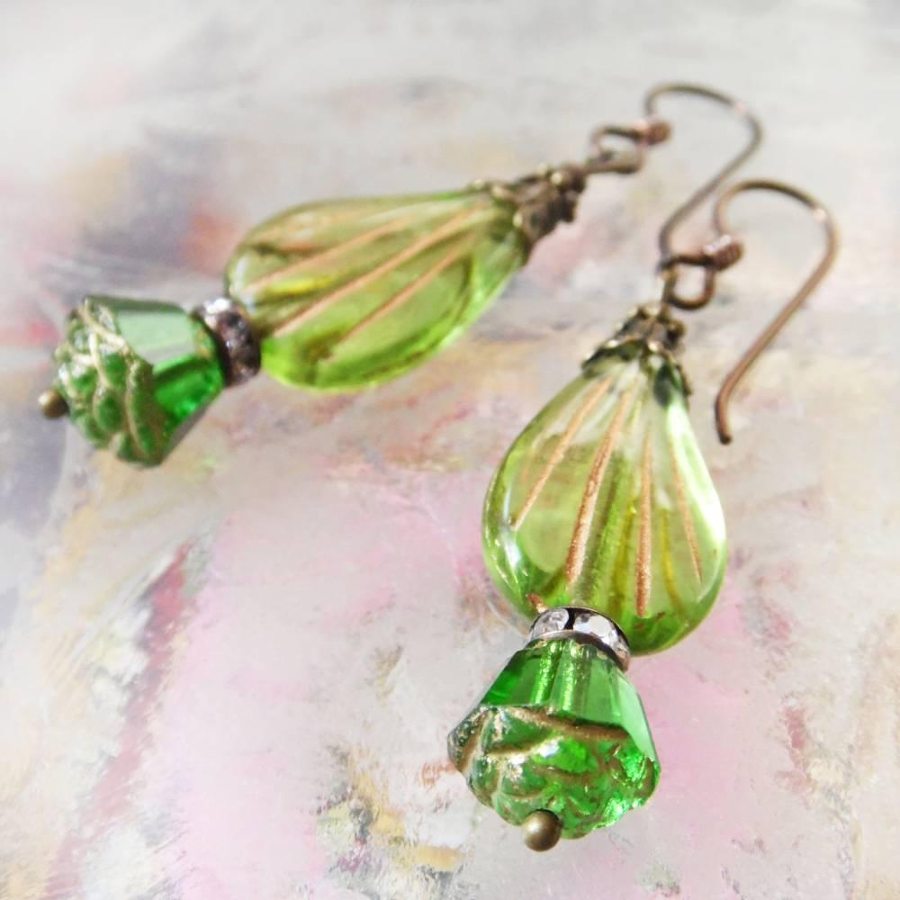 Art Déco Ohrringe grünes Blatt - hypoallergene Niob Ohrhänger in zwei Grüntönen Bild 1