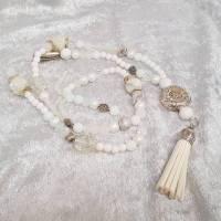 lange Halskette im weißen Perlen-Mix. XL-Kette. Bild 1