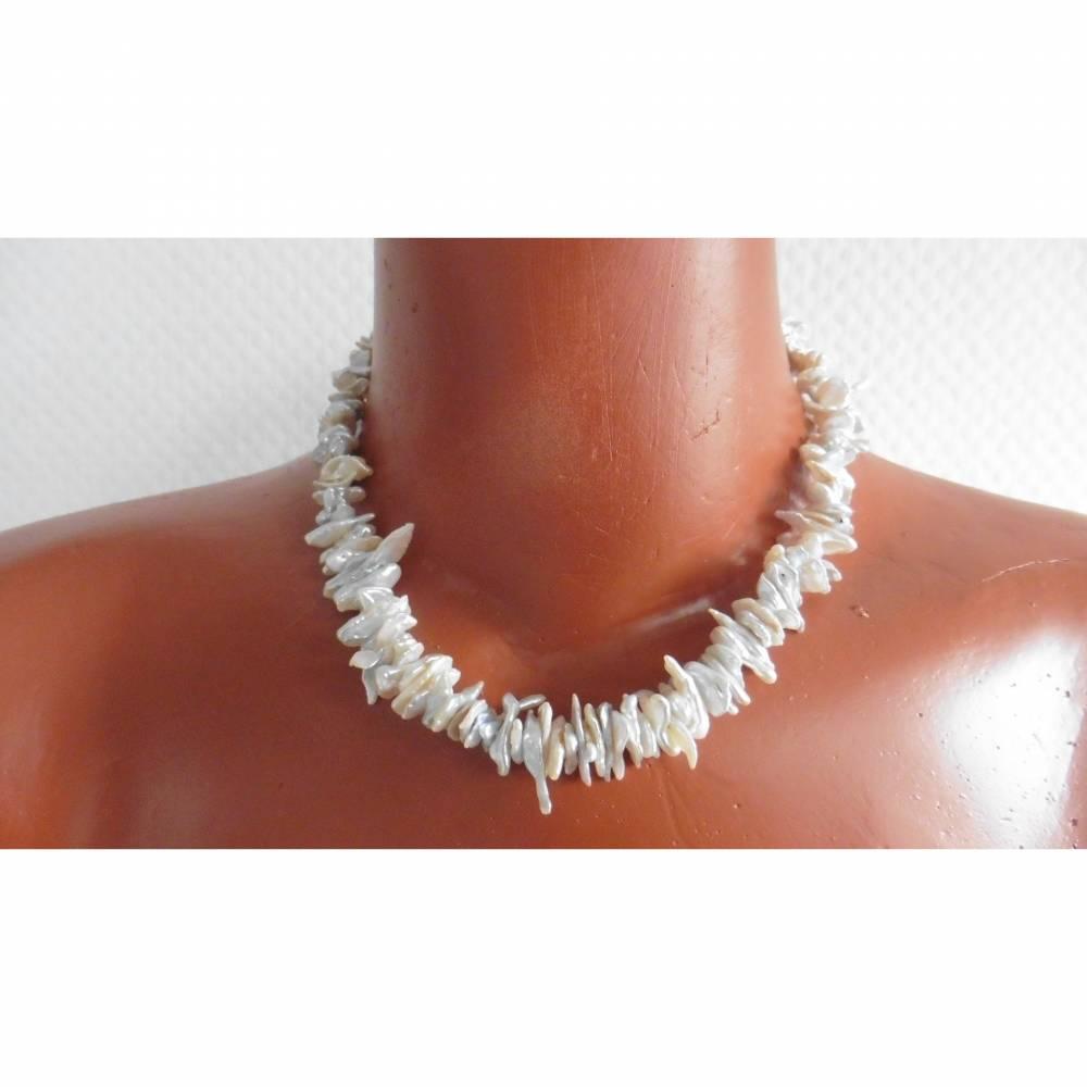 Perlenkette aus Keshi Perlen, natürliche Form Bild 1