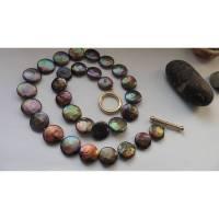 Perlenkette aus lila schwarzen Münzperlen 15 mm Brautkette  business stylisch streng Gold 14K Bild 1