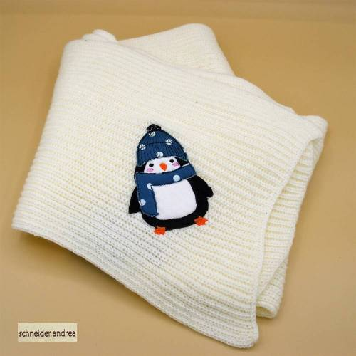 bestickter Strickschal PINGUIN