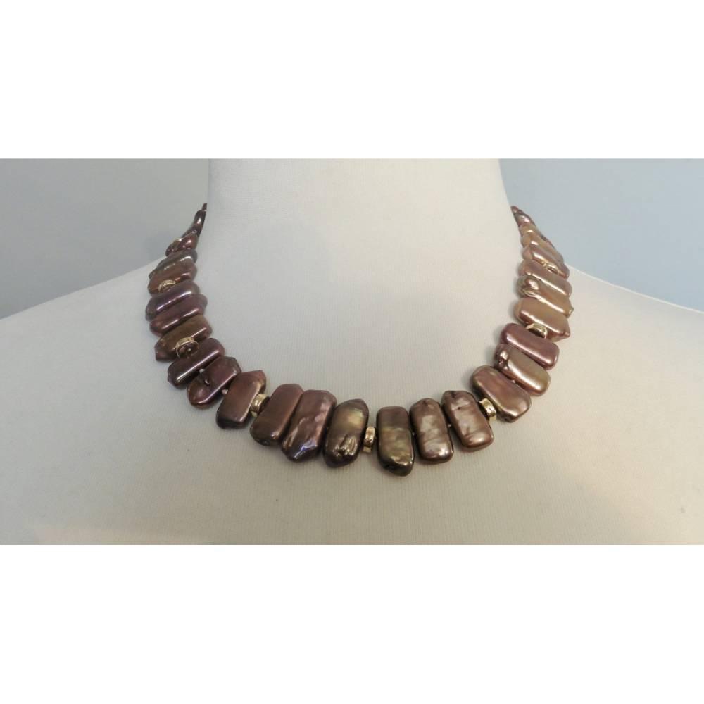 Perlenkette aus braunen Perlen, Collier aus geometrischen Perlen, Geschenk für Frauen Bild 1